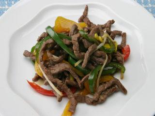 保育園の焼き・炒め物レシピ(牛肉とピーマンの炒め物)